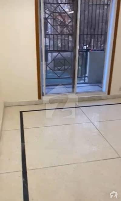 جی ۔ 7/1 جی ۔ 7 اسلام آباد میں 3 کمروں کا 6 مرلہ فلیٹ 1.6 کروڑ میں برائے فروخت۔