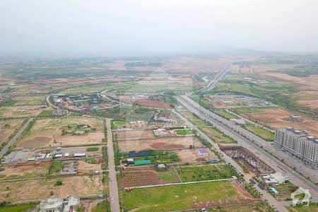 گلبرگ اسلام آباد میں 1 کنال پلاٹ فائل 4.5 لاکھ میں برائے فروخت۔