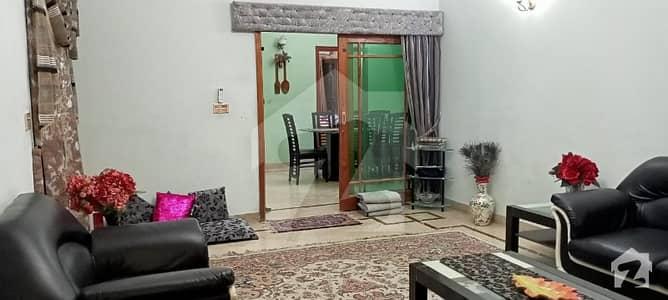 گلشنِ اقبال - بلاک 3 گلشنِ اقبال گلشنِ اقبال ٹاؤن کراچی میں 6 کمروں کا 10 مرلہ مکان 4.75 کروڑ میں برائے فروخت۔