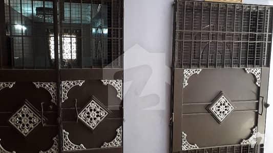 پی آئی بی کالونی کراچی میں 2 کمروں کا 5 مرلہ فلیٹ 33 ہزار میں کرایہ پر دستیاب ہے۔