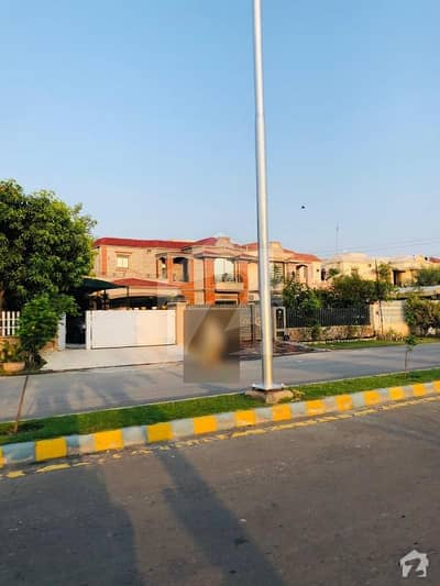 لیک سٹی - سیکٹر M7 - بلاک اے لیک سٹی ۔ سیکٹرایم ۔ 7 لیک سٹی رائیونڈ روڈ لاہور میں 4 کمروں کا 7 مرلہ بالائی پورشن 36 ہزار میں کرایہ پر دستیاب ہے۔
