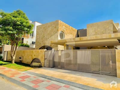 Marvelous 1 Kanal Brand New Designer House For Sale