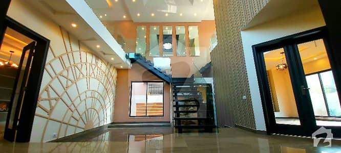 اسٹیٹ لائف ہاؤسنگ فیز 1 اسٹیٹ لائف ہاؤسنگ سوسائٹی لاہور میں 5 کمروں کا 1 کنال مکان 4.7 کروڑ میں برائے فروخت۔