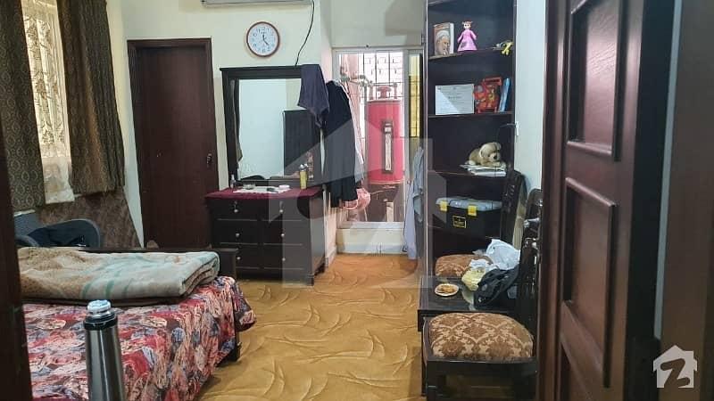 یونیورسٹی ٹاؤن پشاور میں 3 کمروں کا 5 مرلہ فلیٹ 1.2 کروڑ میں برائے فروخت۔
