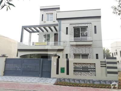10 Marla House for Sale in Sector E Bahria Town Lahore