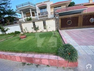 ایف ۔ 10 اسلام آباد میں 4 کمروں کا 1.14 کنال مکان 11 کروڑ میں برائے فروخت۔