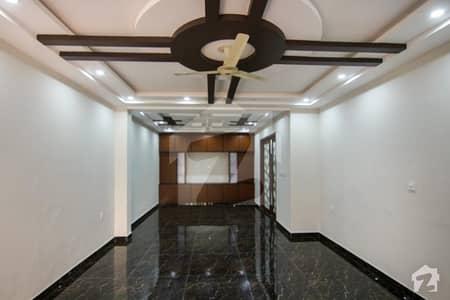 ماڈل ٹاؤن ۔ بلاک ایف ماڈل ٹاؤن لاہور میں 6 کمروں کا 1 کنال مکان 2.5 لاکھ میں کرایہ پر دستیاب ہے۔