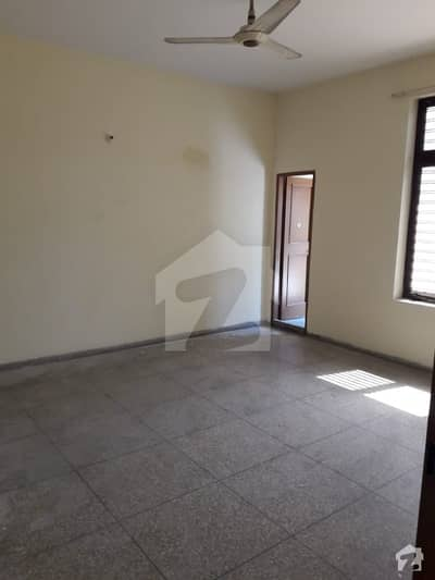 1 Kanal House Available For Sale On Hot Location And Reasonable Demand