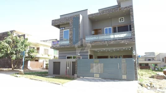 7 Marla ( Corner ) Spacious House For Sale In Jinnah Garden Phase-1. Street#65