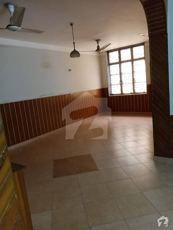 10 Marla Upper Portion Available For Rent On Hot Location