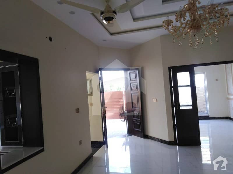 8 Marla Brand New Beautiful House For Sale