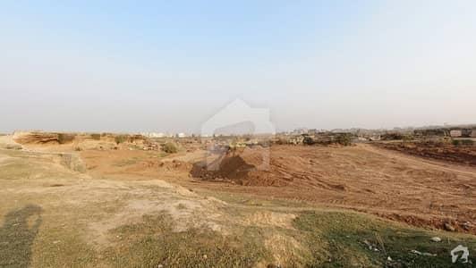 آئی۔12/1 آئی ۔ 12 اسلام آباد میں 7 مرلہ رہائشی پلاٹ 1.2 کروڑ میں برائے فروخت۔