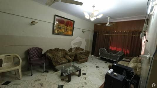 گلشن اقبال - بلاک 13 / D-2 گلشنِ اقبال گلشنِ اقبال ٹاؤن کراچی میں 3 کمروں کا 6 مرلہ فلیٹ 93 لاکھ میں برائے فروخت۔