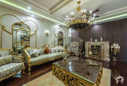 کینال پارک فیصل آباد میں 4 کمروں کا 10 مرلہ مکان 3 کروڑ میں برائے فروخت۔