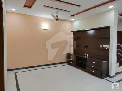 ایف ۔ 11 اسلام آباد میں 4 کمروں کا 10 مرلہ مکان 5.25 کروڑ میں برائے فروخت۔