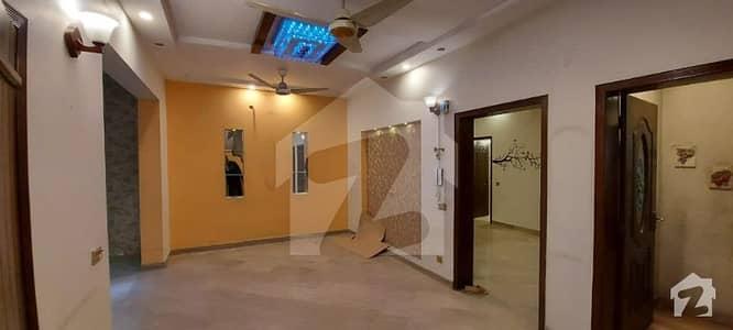 اسٹیٹ لائف فیز 1 - بلاک اے اسٹیٹ لائف ہاؤسنگ فیز 1 اسٹیٹ لائف ہاؤسنگ سوسائٹی لاہور میں 3 کمروں کا 1 کنال بالائی پورشن 60 ہزار میں کرایہ پر دستیاب ہے۔