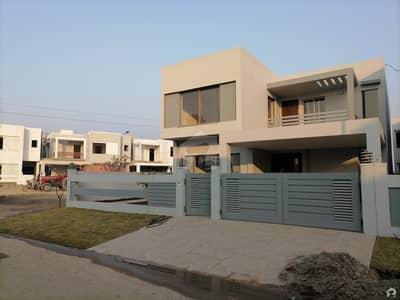 ڈی ایچ اے ولاز ڈی ایچ اے ڈیفینس ملتان میں 5 کمروں کا 12 مرلہ مکان 2.1 کروڑ میں برائے فروخت۔