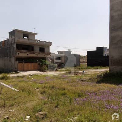 05 Marla Commercial Plot For Sale 30 X 40