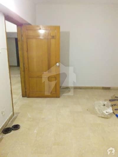 سلوراوکس اپارٹمنٹ ایف ۔ 10 اسلام آباد میں 3 کمروں کا 8 مرلہ فلیٹ 1.4 لاکھ میں کرایہ پر دستیاب ہے۔