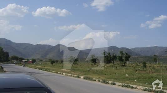 ڈی ۔ 12/2 ڈی ۔ 12 اسلام آباد میں 1.2 کنال رہائشی پلاٹ 8.25 کروڑ میں برائے فروخت۔