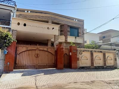 Ideally Located House Of 10 Marla Is Available For Sale In Gujrat