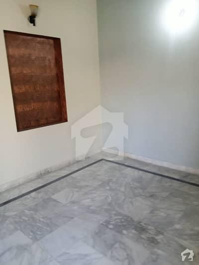 طارق گارڈنز لاہور میں 1 کمرے کا 5 مرلہ زیریں پورشن 25 ہزار میں کرایہ پر دستیاب ہے۔