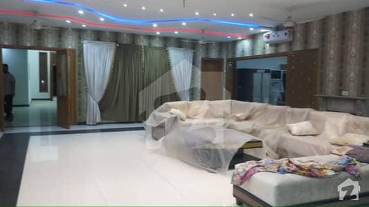 بحریہ ٹاؤن سیکٹر B بحریہ ٹاؤن لاہور میں 7 کمروں کا 4 کنال مکان 13 کروڑ میں برائے فروخت۔