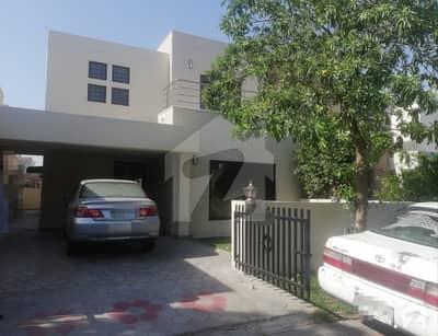 بحریہ ٹاؤن سفاری ولاز بحریہ ٹاؤن سیکٹر B بحریہ ٹاؤن لاہور میں 3 کمروں کا 8 مرلہ مکان 1.3 کروڑ میں برائے فروخت۔