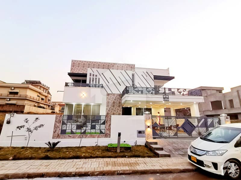 Ultra Modern 1 Kanal House Up For Sale