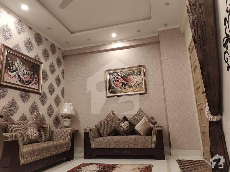 یونیورسٹی ٹاؤن پشاور میں 3 کمروں کا 6 مرلہ فلیٹ 94 لاکھ میں برائے فروخت۔