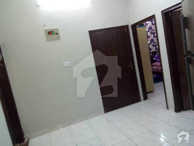 پی آئی بی کالونی کراچی میں 2 کمروں کا 4 مرلہ فلیٹ 59 لاکھ میں برائے فروخت۔