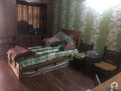 جناح ایونیو کراچی میں 2 کمروں کا 5 مرلہ بالائی پورشن 1.05 کروڑ میں برائے فروخت۔