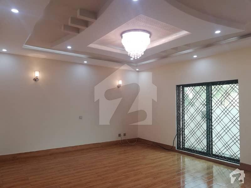 بحریہ ٹاؤن عمر بلاک بحریہ ٹاؤن سیکٹر B بحریہ ٹاؤن لاہور میں 3 کمروں کا 5 مرلہ مکان 1.1 کروڑ میں برائے فروخت۔