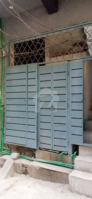 لٹن روڈ لاہور میں 1 کمرے کا 2 مرلہ فلیٹ 25 لاکھ میں برائے فروخت۔