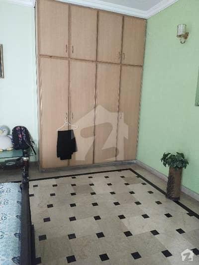 پی آئی اے ہاؤسنگ سکیم لاہور میں 3 کمروں کا 1 کنال بالائی پورشن 50 ہزار میں کرایہ پر دستیاب ہے۔
