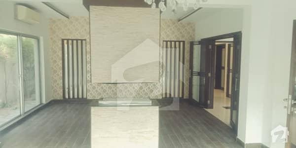 ڈی ایچ اے فیز 2 ڈیفنس (ڈی ایچ اے) لاہور میں 5 کمروں کا 1 کنال مکان 2.7 لاکھ میں کرایہ پر دستیاب ہے۔