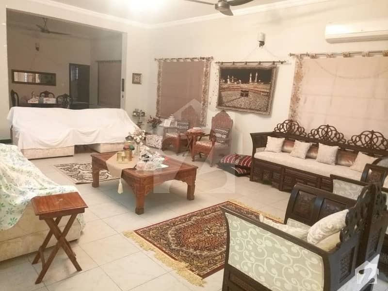 500 Square Yard Liveable House For Sale