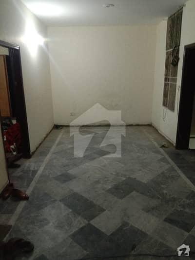 یو ایم ٹی سوسائٹی لاہور میں 1 کمرے کا 1 مرلہ کمرہ 12 ہزار میں کرایہ پر دستیاب ہے۔