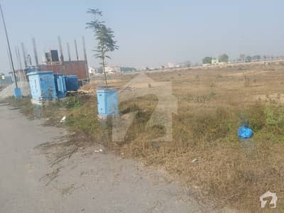 Dha 9 Town E Block 4 Marla Commercial On Good Location Just Rs 42000000