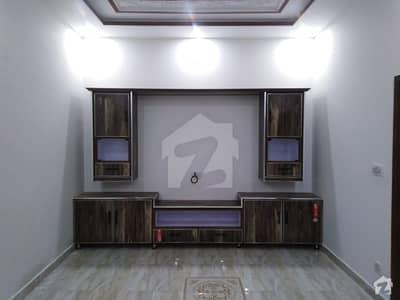 ایس اے گارڈنز جی ٹی روڈ لاہور میں 4 کمروں کا 6 مرلہ مکان 90 لاکھ میں برائے فروخت۔
