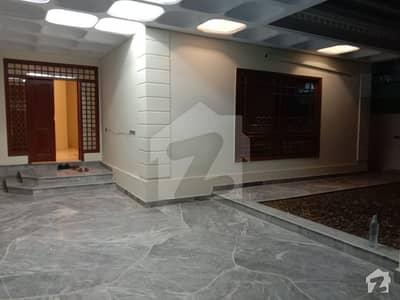 کلفٹن ۔ بلاک 4 کلفٹن کراچی میں 8 کمروں کا 1 کنال مکان 4.5 لاکھ میں کرایہ پر دستیاب ہے۔
