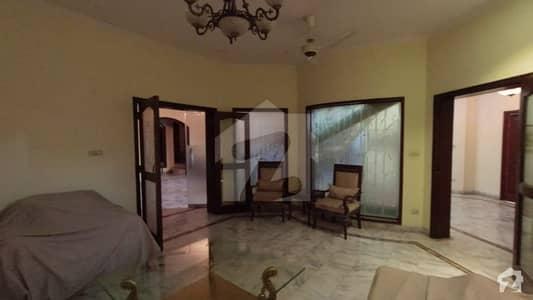 ڈی ایچ اے فیز 2 - بلاک یو فیز 2 ڈیفنس (ڈی ایچ اے) لاہور میں 5 کمروں کا 1 کنال مکان 4.5 کروڑ میں برائے فروخت۔