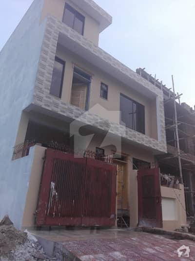 ڈی ۔ 12/1 ڈی ۔ 12 اسلام آباد میں 3 کمروں کا 4 مرلہ زیریں پورشن 40 ہزار میں کرایہ پر دستیاب ہے۔