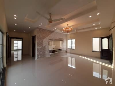 Hot Deal 1 kanal Beautiful Full Basement Bungalow For Sale In DHA Phase 6