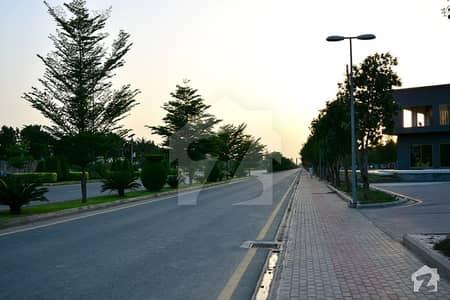 بحریہ ٹاؤن اوورسیز انکلیو بحریہ ٹاؤن لاہور میں 5 مرلہ کمرشل پلاٹ 1.65 کروڑ میں برائے فروخت۔