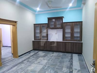 3 Marla Flat In Central Gulbahar For Rent