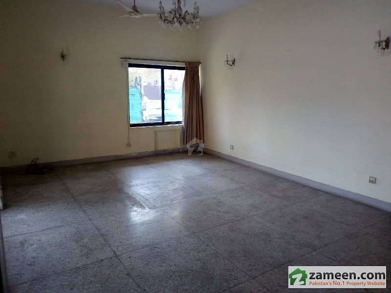 35x70 House At Very Low Price Very Good Location And Condition In G94
