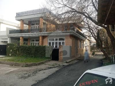 2925  Square Feet House Situated In G-9 For Sale