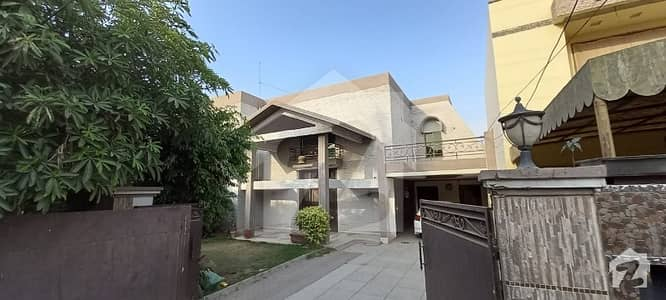 1Kanal house available for rent in model town