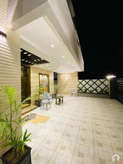 بحریہ ٹاؤن گلبہار بلاک بحریہ ٹاؤن سیکٹر سی بحریہ ٹاؤن لاہور میں 5 کمروں کا 10 مرلہ مکان 2.3 کروڑ میں برائے فروخت۔